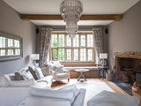 farmhouse living room Houzz Tour: New Comforts in the Cotswolds (18 photos)