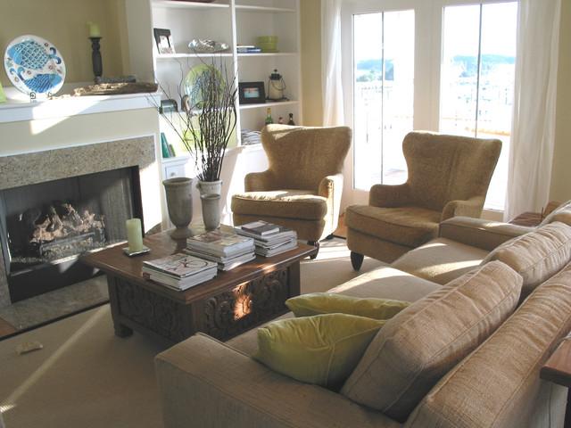 Bald Head Island Retreat traditional-living-room
