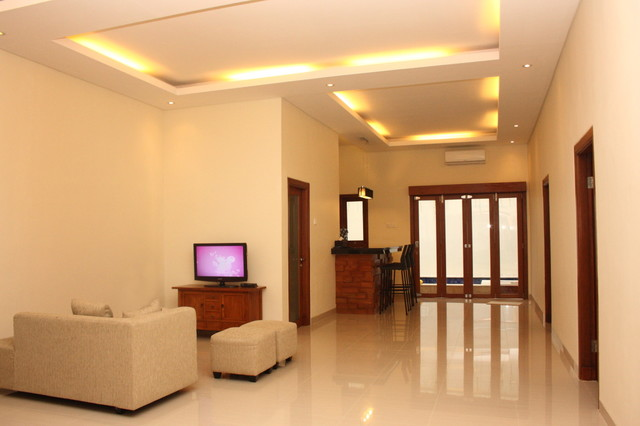 bali townhouse to villa modern living room other