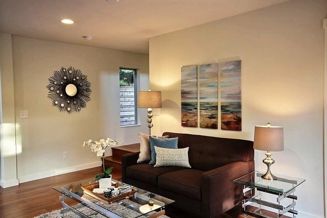 Ballard Transitional Cottage living-room