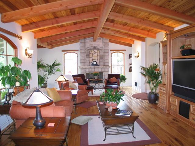 Barber Builder's traditional-living-room