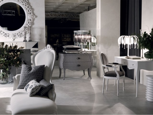 Baroque inspired living room with a glamorous twist Glamorous living room furniture