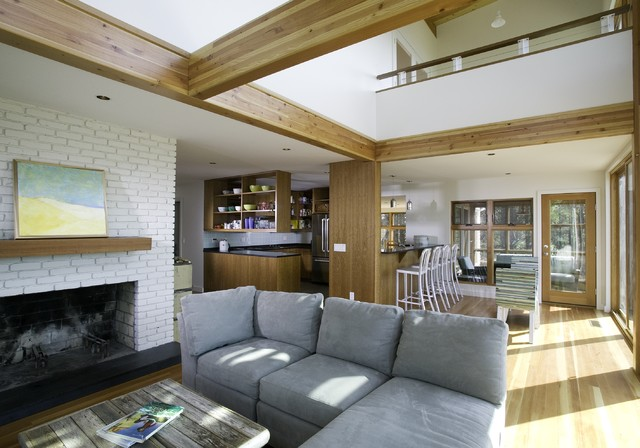 Bay View Beach Residence, Wellfleet beach-style-living-room
