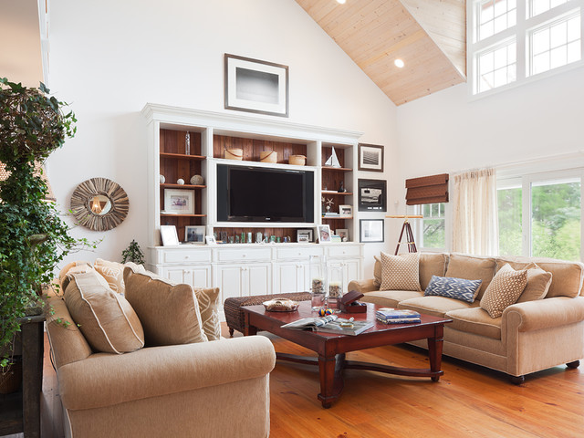 Bayview traditional-living-room