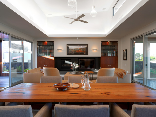 Barwon Heads Holiday Home contemporary living room