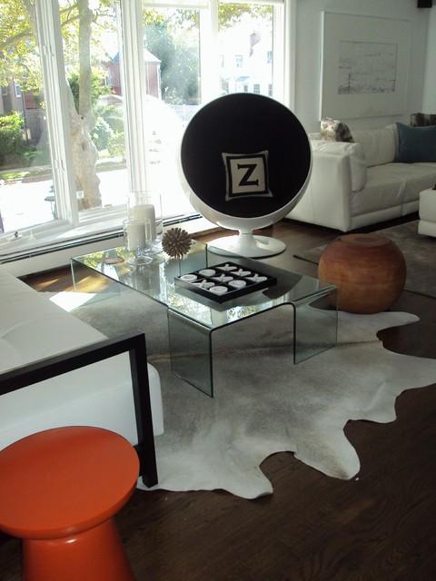 Beach House contemporary-living-room