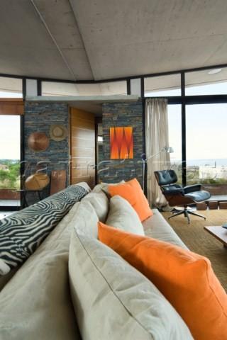 Beach House PSICOMAGIA beach-style-living-room