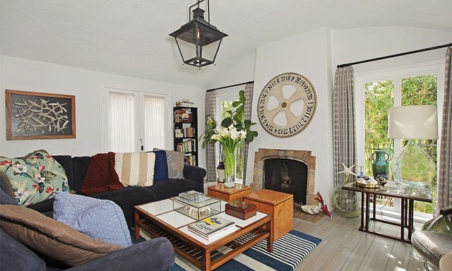Beach eclectic-living-room