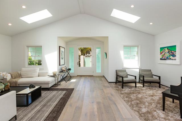 Beachwood Drive Residence Contemporary Living Room
