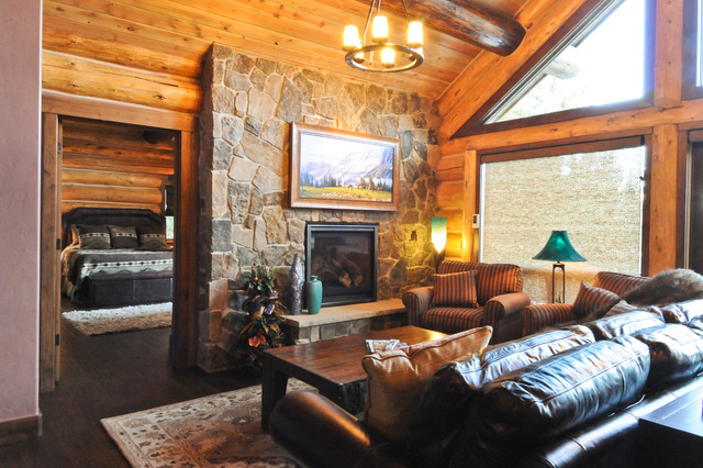 Beetle pine log cabin in the woods of colorado for Log living room