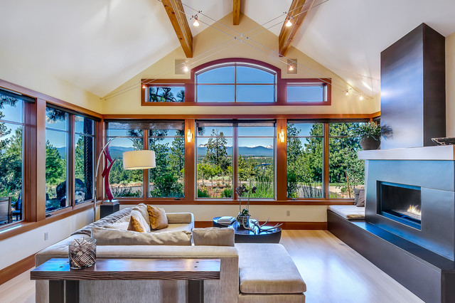 Bend Oregon Mountain Modern Home Great Room