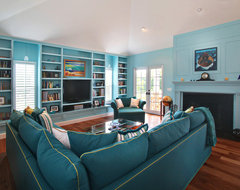 Bermuda Colonial Residence tropical-living-room