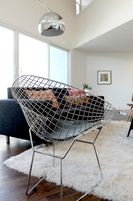 Bertoia Wire Mesh Chair And Arc Lamp Modern Living Room