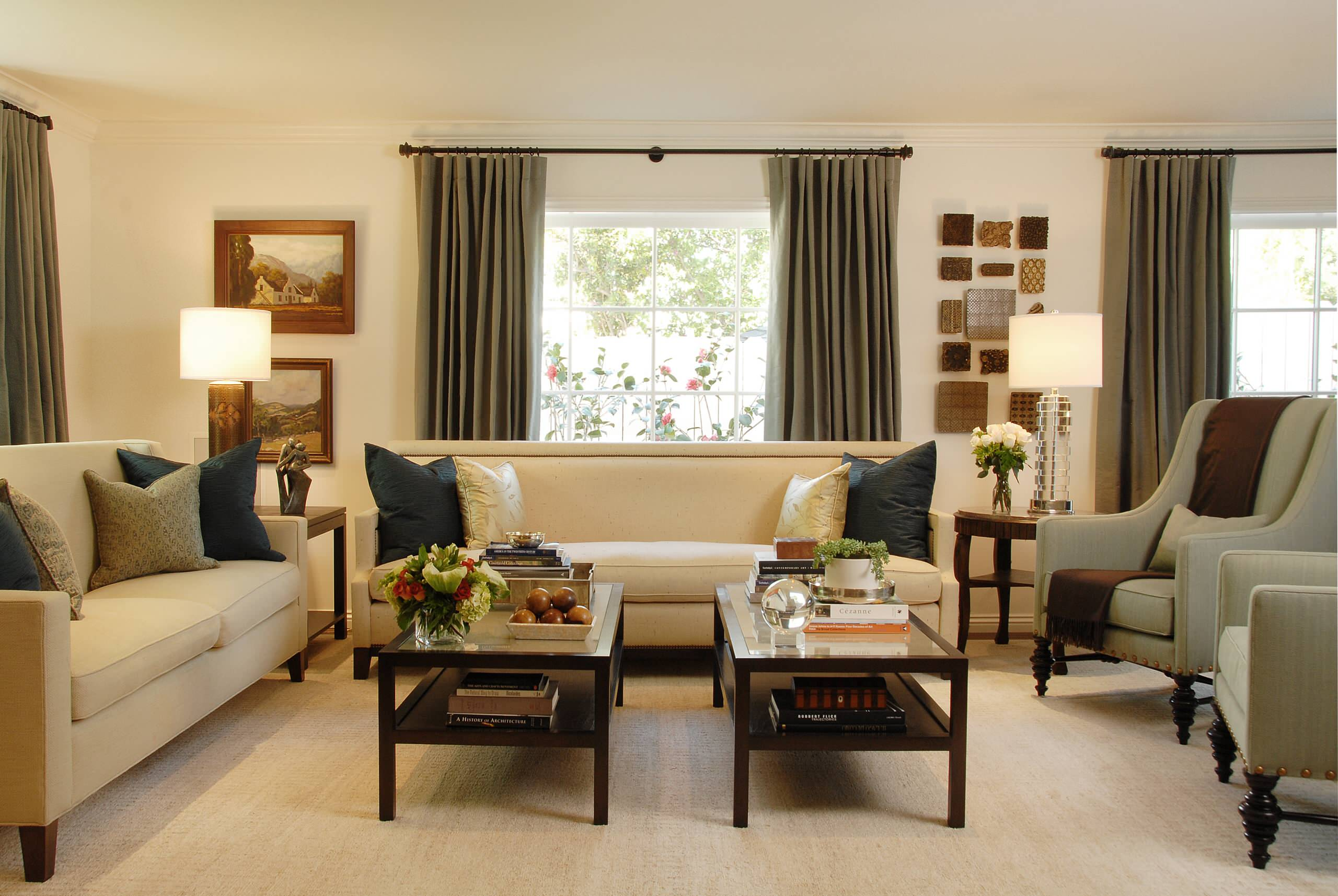 Picture of: Coffee Table Decor Traditional Houzz