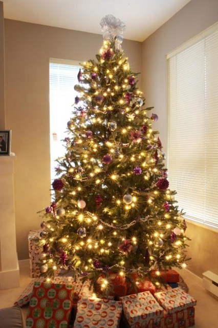 BH Fraser Fir™ Artificial Christmas Tree
