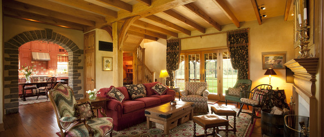 Black Walnut Farm Guest House traditional-living-room
