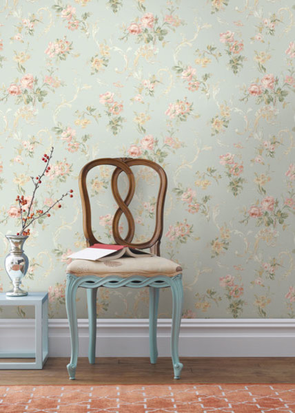 Blue floral acanthus trail wallpaper traditional for Floral wallpaper living room