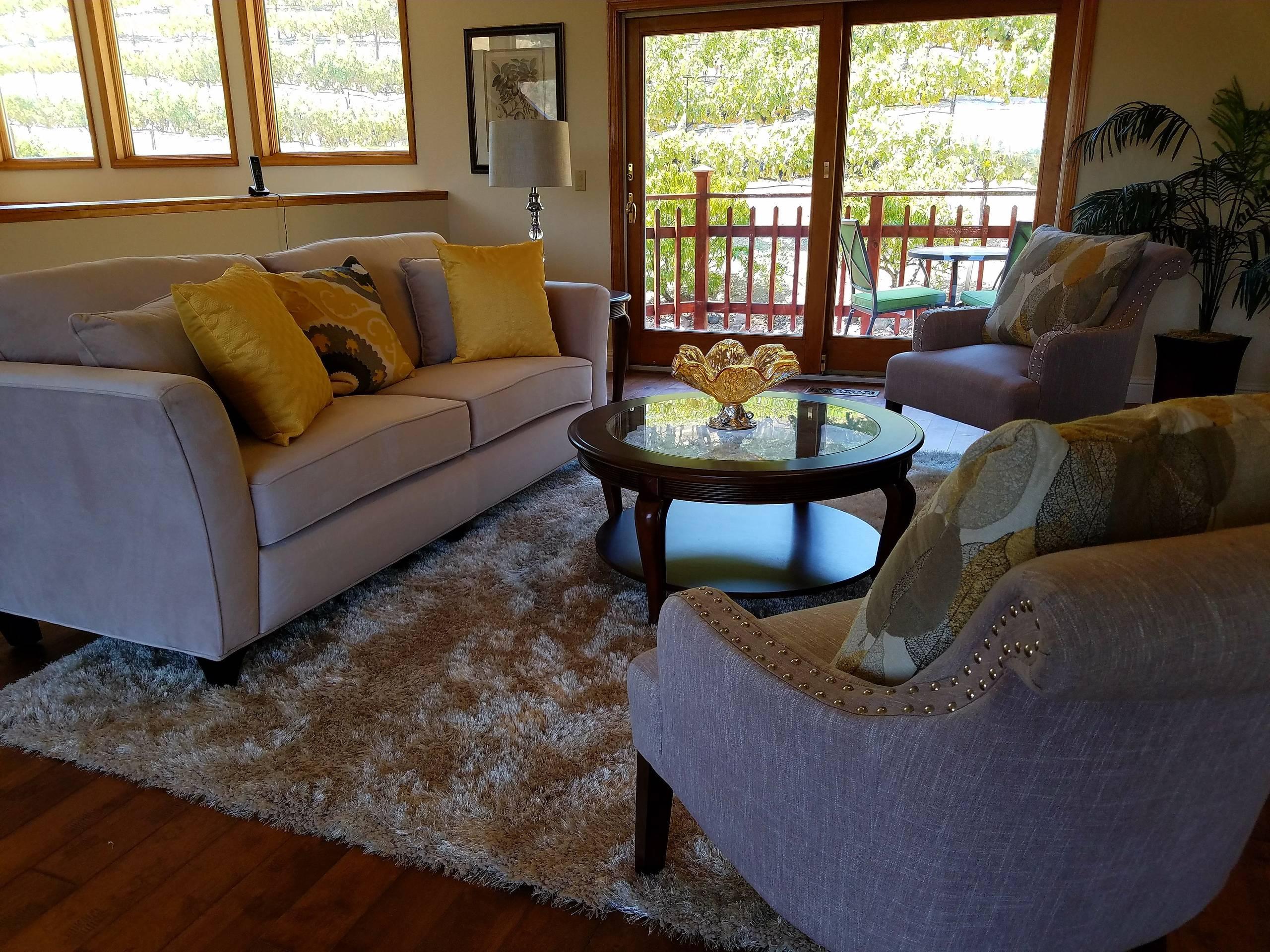 Blue Ridge Oaks vineyard property