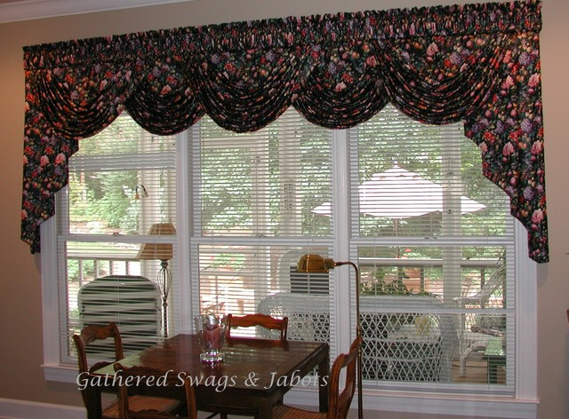 Board mounted valances traditional living room other for Living room valances