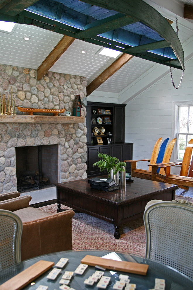 Inspiration for a timeless living room remodel in Milwaukee