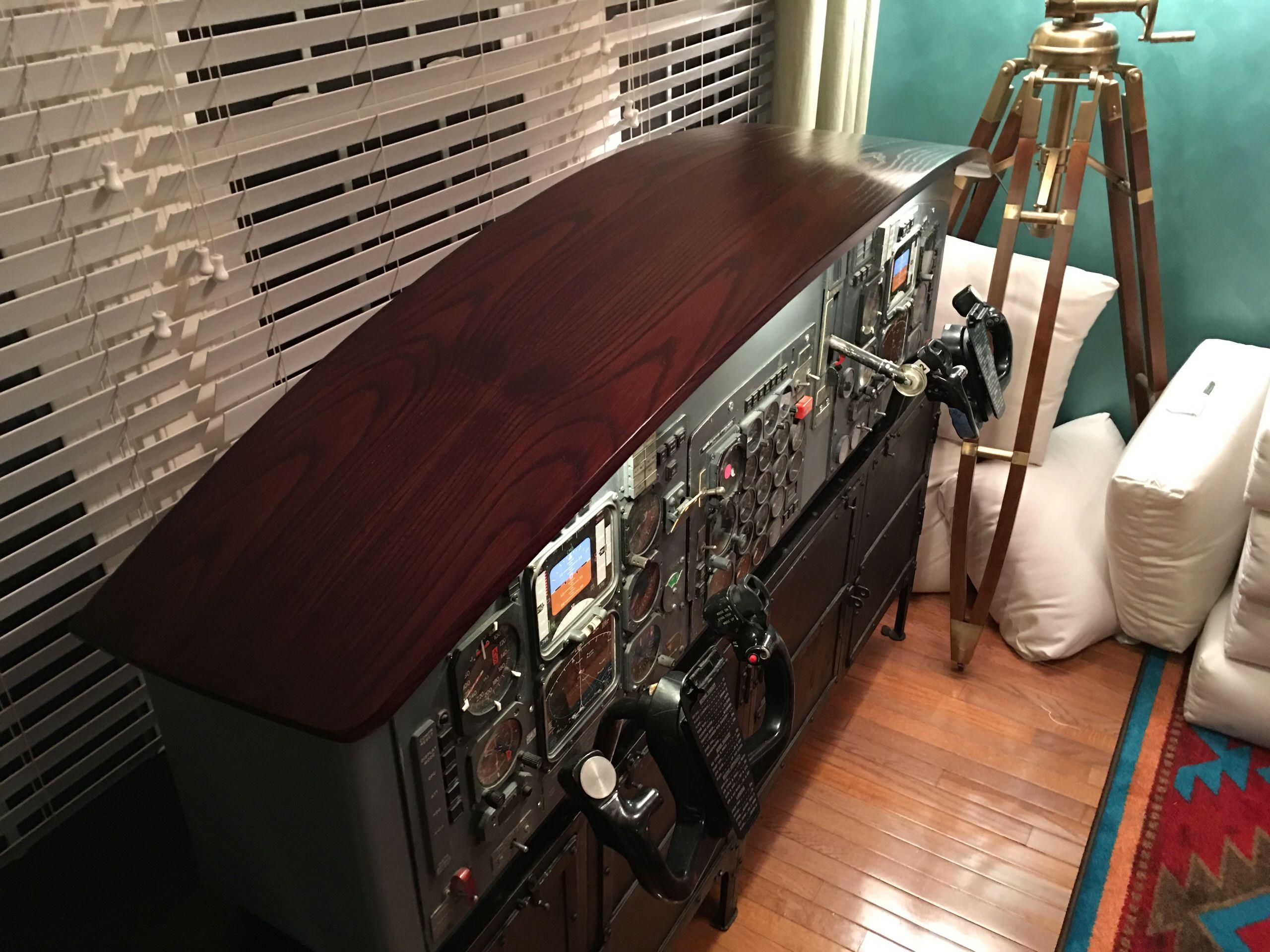 Boeing 727 Instrument Cabinet
