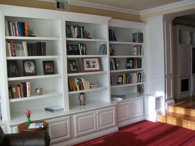 Bookcases traditional-living-room