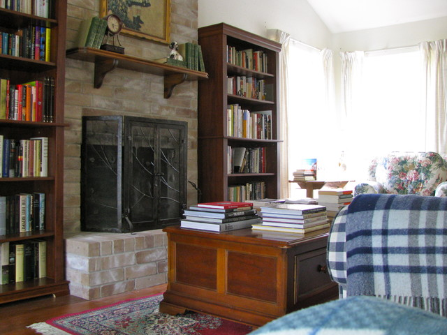 eclectic living room Bookshelves
