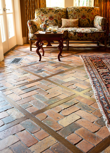 Brick Pavers With Wood Pickets Traditional Living Room