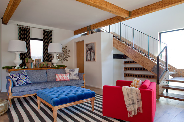 Example of an eclectic living room design in San Francisco with white walls