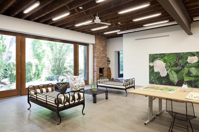 BROOKLYN STUDIO industrial-living-room