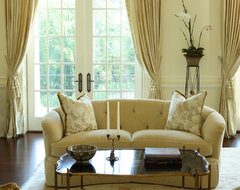Buckhead traditional-living-room