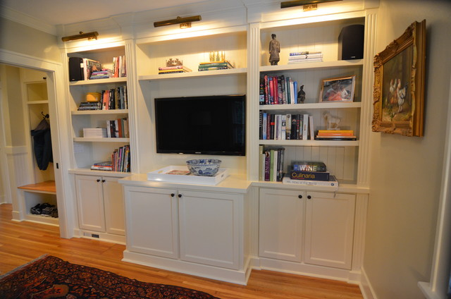 Built in bookcases traditional living room portland for Kitchen library portland