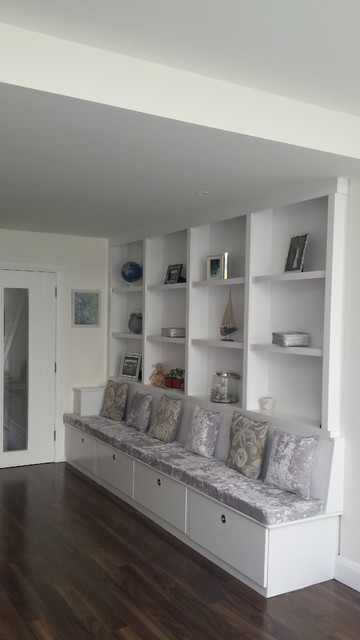 Built In Wall Unit And Seating