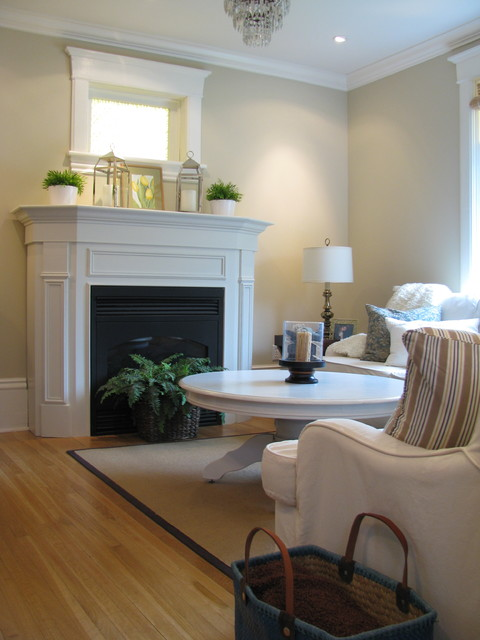 BY HARDROCK CONSTRUCTION traditional-living-room