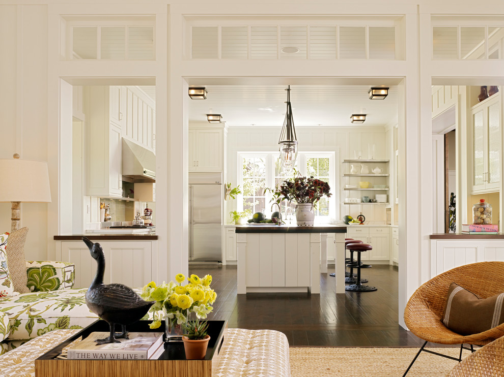 Inspiration for a country living room remodel in San Francisco
