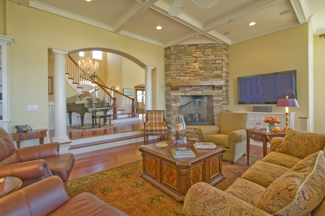 Cape cod traditional living room los angeles by for Cape cod living room decorating ideas