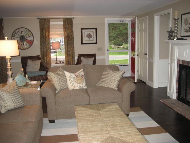 Cape cod for Cape cod living room design