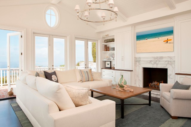 Delightful Cape Cod Style In Laguna Beach, CA Beach Style Living Room