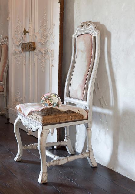 Carlisle House traditional-living-room