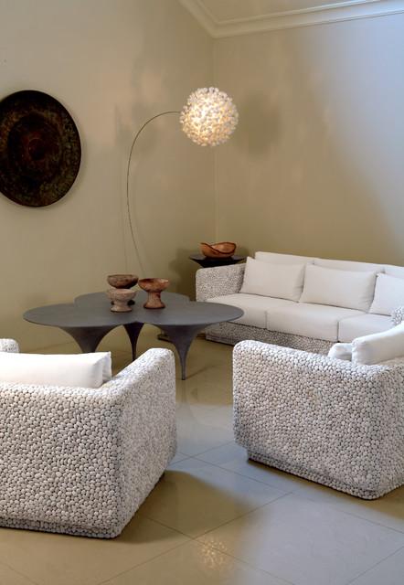 CARLO Showroom modern-living-room