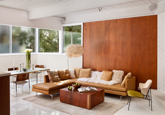 Midcentury Living Room by Studio Schicketanz
