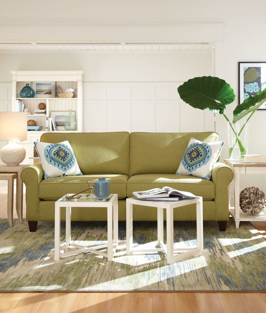 Casual beach style living room beach style living for Beach style living room furniture