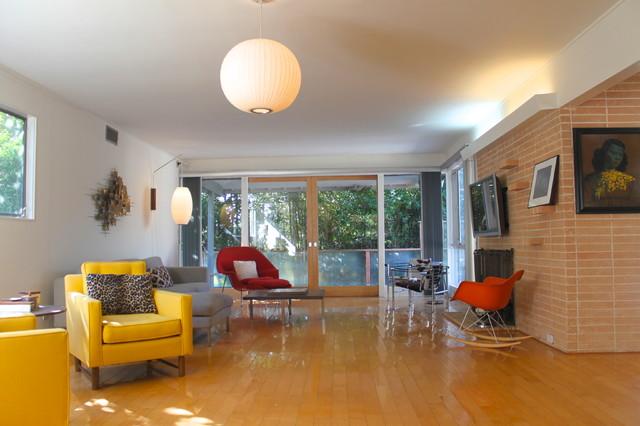 Cedarhurst Home modern-living-room