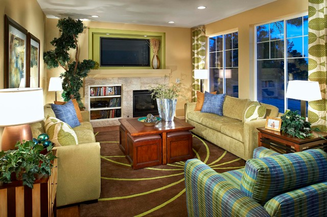 Century Communities at The Overlook at Tallyn's Reach traditional-living-room