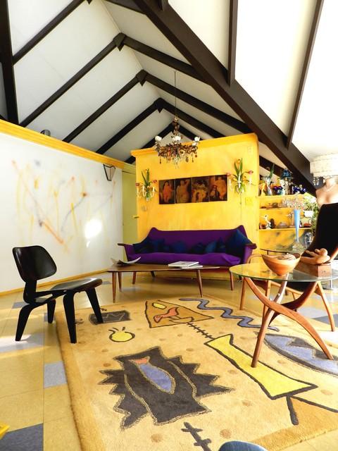 Charles Haertling modern-living-room