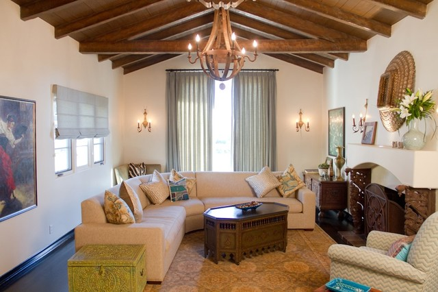 Merveilleux Example Of A Tuscan Living Room Design In Los Angeles With A Standard  Fireplace