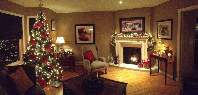 christmas decorating 2012 traditional living room other metro. Black Bedroom Furniture Sets. Home Design Ideas