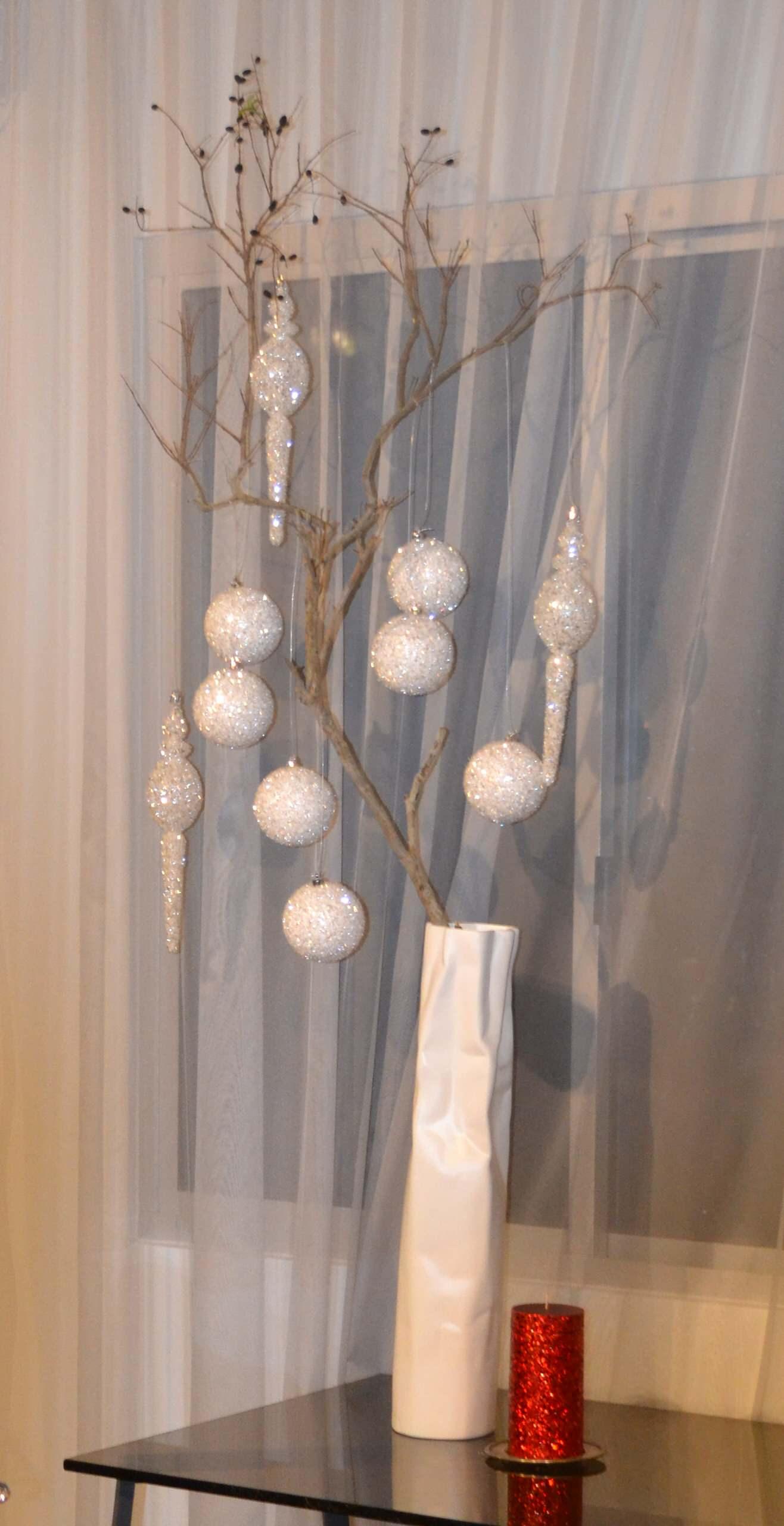 Christmas decorating modern style