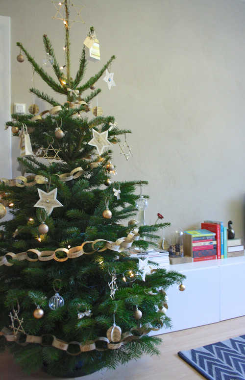 The Houzz experts on how to keep your Christmas tree fresh and ...