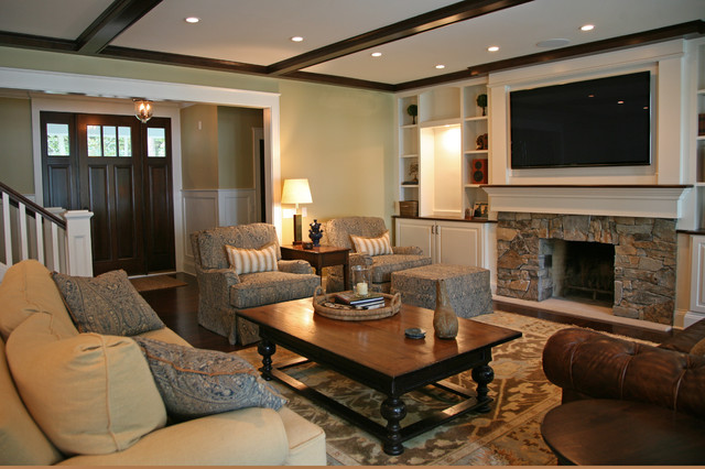 Classic lakefront traditional living room milwaukee for Classic traditional living rooms